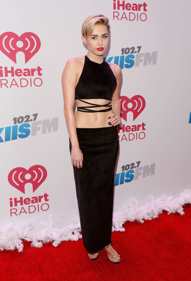miley-cyrus-kiis-fm-jingle-ball-2013-calvin-klein-collection-2