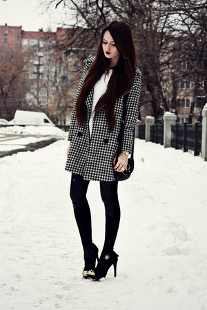 black-suede-bershka-boots-black-houndstooth-persunmall-coat