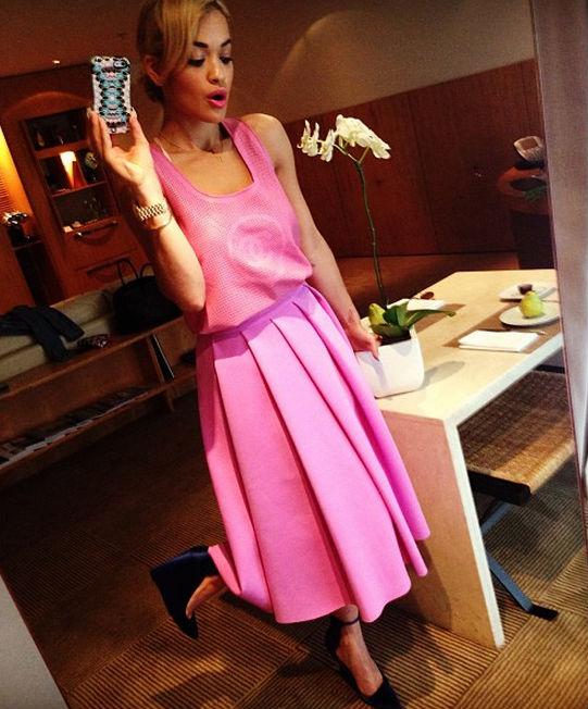 Rita-Ora-Pink-Skirt-Style